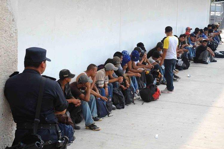 Migrantes son detenidos en México, otros logran llegar a Estados Unidos. (Foto Prensa Libre: Hemeroteca PL)