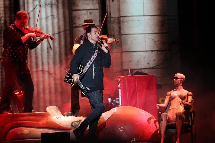 Ricardo Arjona visita Guatemala como parte de su gira Circo Soledad