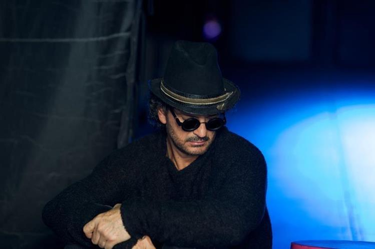Ricardo Arjona está a dos semanas de lanzar su disco Circo Soledad. (Foto Prensa Libre: Metamorfosis)