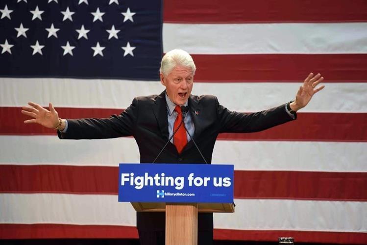 """Bill Clinton, esposo de Hillary Clinton, podría hacerse cargo de """"revitalizar"""" la economía de EE. UU. (Foto Prensa Libre: AP)."""