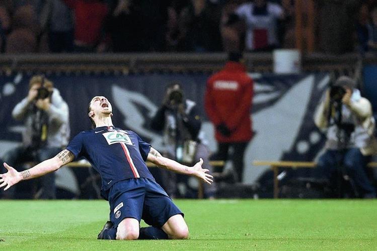 El sueco Zlatan Ibrahimovic está en el ojo de las críticas por su rendimiento en los últimos partidos. (Foto Prensa Libre: Hemeroteca)