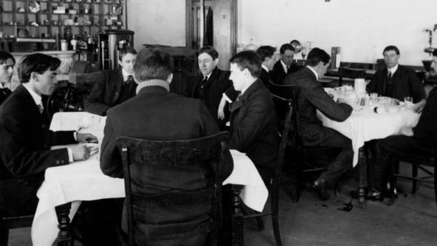 """Los 12 miembros del """"Escuadrón del Veneno"""" eran voluntarios. FDA"""