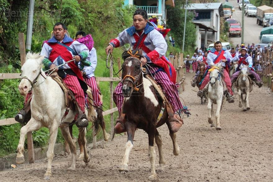 Carrera de las Ánimas en Todos Santos Cuchumatán. (Foto: Hemeroteca PL)