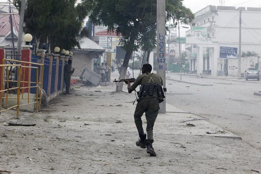 Terror en la capital de Somalia. (Foto Prensa Libre: AP).