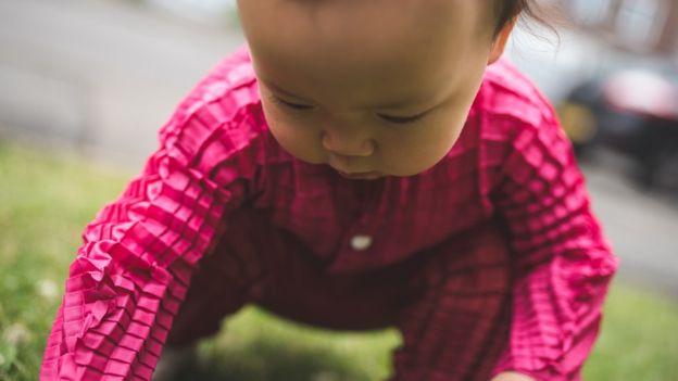 El sistema de pliegues permite que la ropa pueda durar hasta siete tallas (RYAN MARIO YASIN).