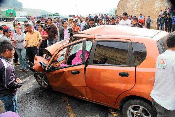 Lugar del percance donde murió Herlindo Macario Cayax. (Foto Prensa Libre: Édgar Domínguez)