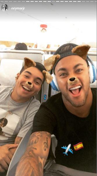 En su cuenta de Instagram el brasileño publicó que se encontraba viajando a España. (Foto Prensa Libre: Captura Instagram)