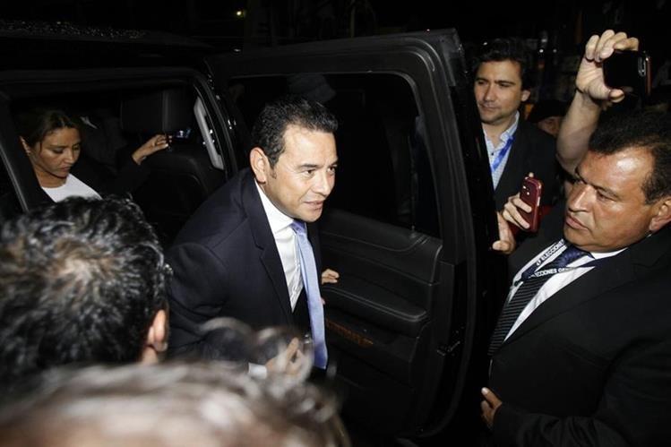 Jimmy Morales, Presidente electo llega al centro de cómputo del TSE en el Parque de la Industria. (Foto Prensa Libre: Paulo Raquec)