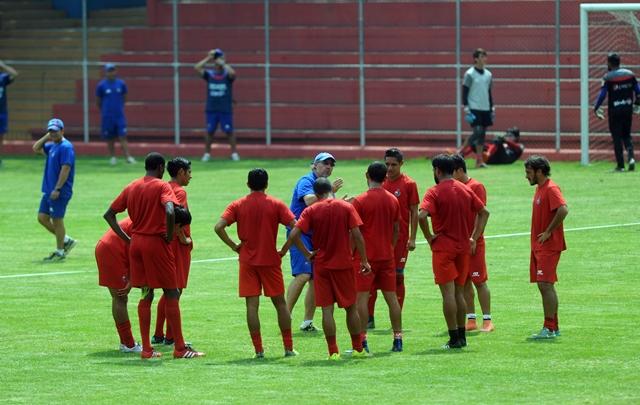El equipo de Municipal será concentrado mañana sábado, previo al clásico 292. (Foto Prensa Libre: Carlos Vicente)