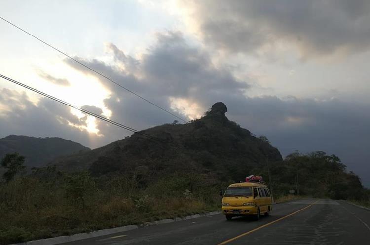 Debido a su altura, muchos escaladores buscan la Montaña Tres Picachos, en Escuintla. (Foto Prensa Libre: César Pérez)