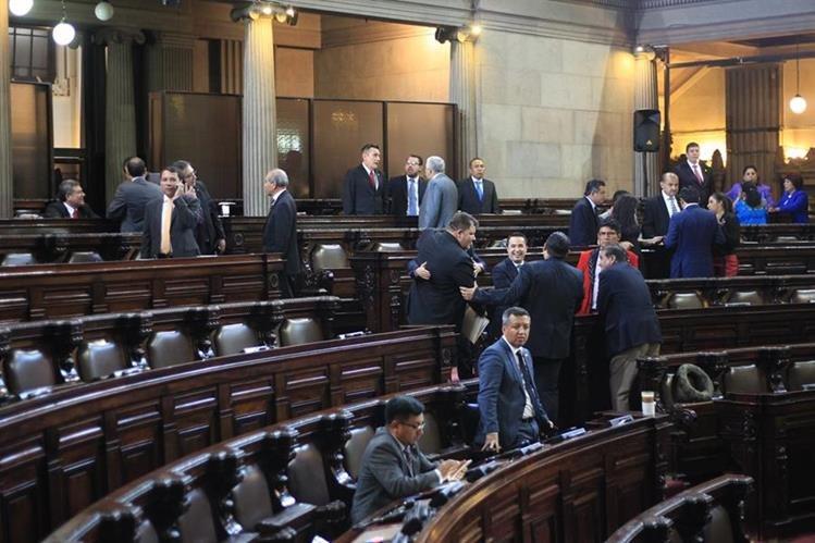 Congreso suspende sesión plenaria convocada para la tarde del 11 de julio por falta de quórum. (Foto Prensa Libre: Esbin García)