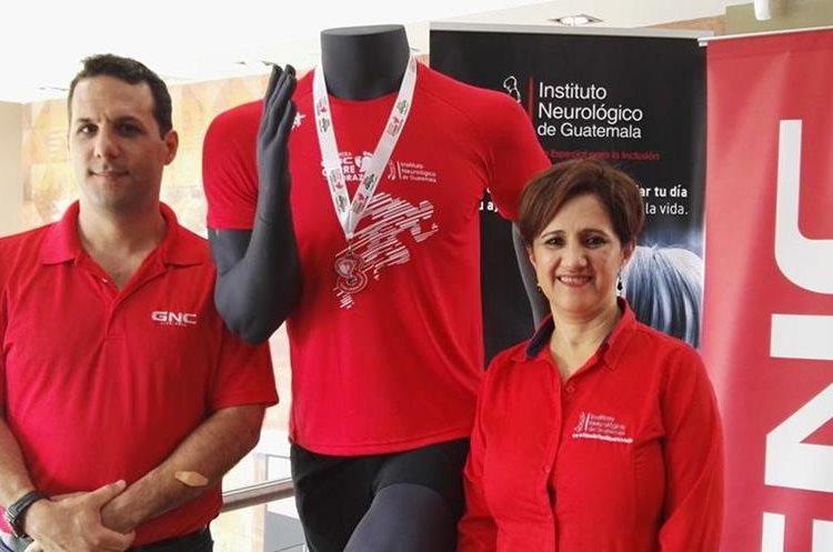 Todos los participantes recibirán playera y medalla en la Octava carrera Corre con el Corazón, informaron los organizadores. (Foto Prensa Libre: Roni Pocón)