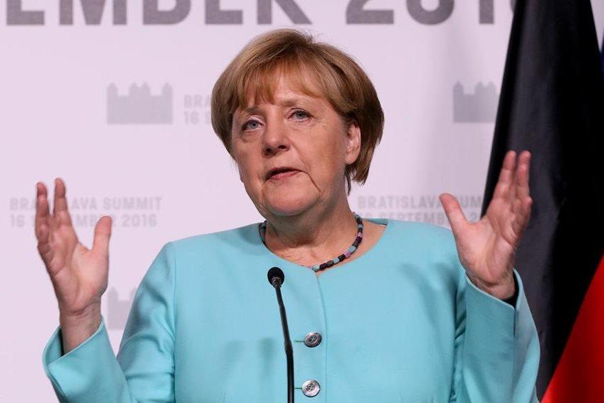 Expertos prevén un revés en comicios para la cancillera alemana Ángela Merkel. (Foto Prensa Libre: AP)