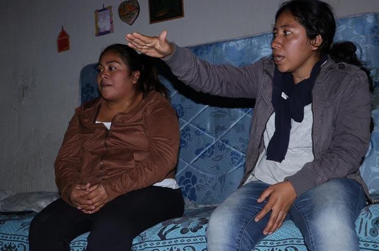 Lesbia Sucena López García cuenta que se salvaron de morir por un milagro de Dios. (Foto Prensa Libre: Víctor Chamalé)