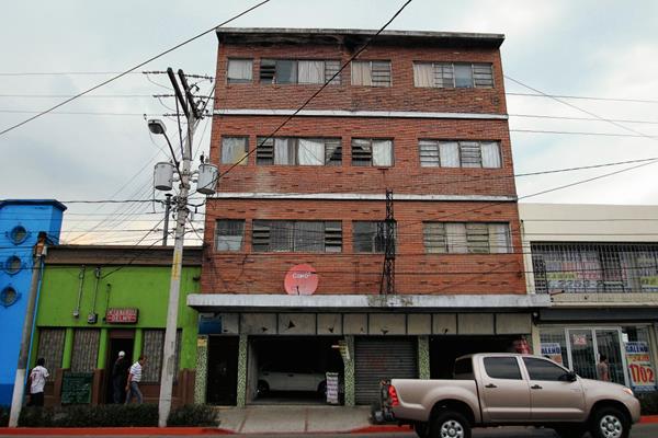 Fachada del edificio, en la 7 avenida 20-12 zona 1, donde supuestamente se encuentra la fundación, fundación contra el terrorismo mediático. (foto Prensa Libre: Hemeroteca PL)