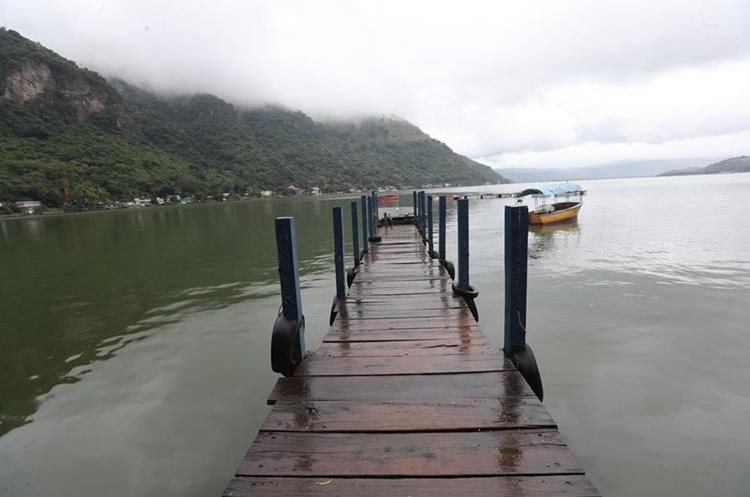 Durante décadas, el Lago de Amatitlán ha sido uno de los destinos turístico más importantes del área metropolitana. (Foto Prensa Libre: Érick Ávila)