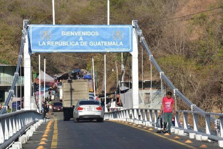 Más de 15 mil turistas salvadoreños entraron a Guatemala el fin de semana. (Foto Hemeroteca PL)
