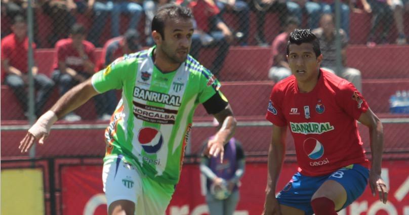 José Contreras, de Antigua GFC, fue citado a declarar por el caso de la fractura de nariz a Roger Bastos. (Foto Prensa Libre: Jorge Ovalle).