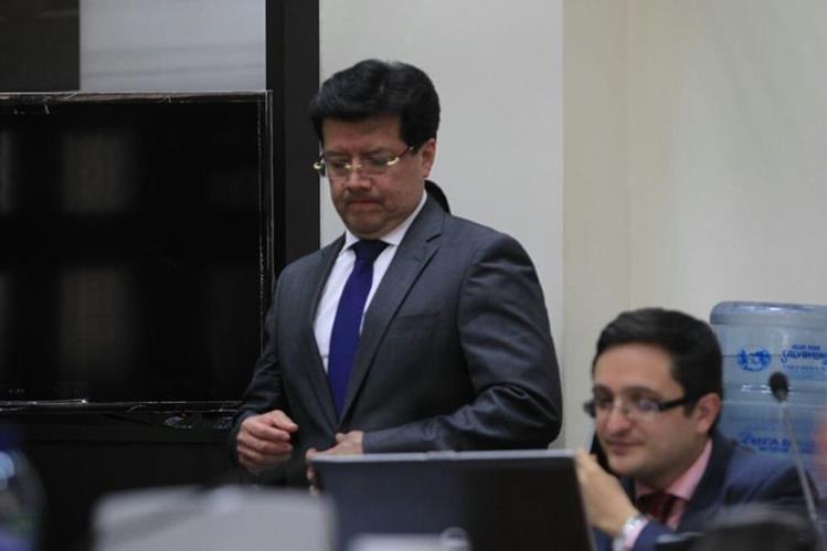 Douglas Charchal, magistrado de la Corte Suprema de Justicia, fue ligado a proceso por el caso TCQ. (Foto Prensa Libre: Edwin Bercián)