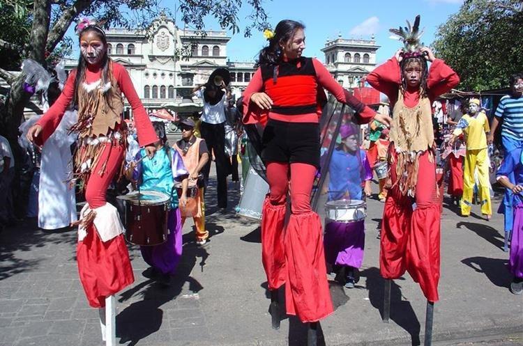 La Danza Chitik es una muestra cultural que ayuda a la libre expresión del pensamiento. (Foto Prensa Libre: Cortesía)