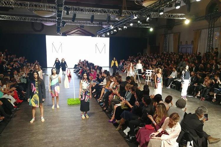 Lo más novedoso de la moda se presenta en el Mercedes-Benz Fashion Guatemala 2017. (Foto Prensa Libre: Anna Lucía Ibarra)