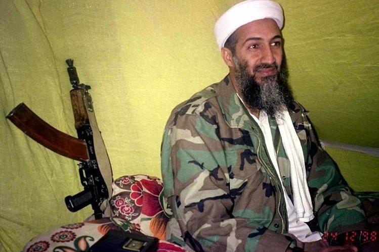 Osama Bin Laden en una foto de archivo de 1998. (Foto: AP)