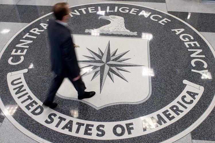 Trump admite que está muy preocupado por filtraciones sobre la CIA. (Foto Prensa Libre: AFP)