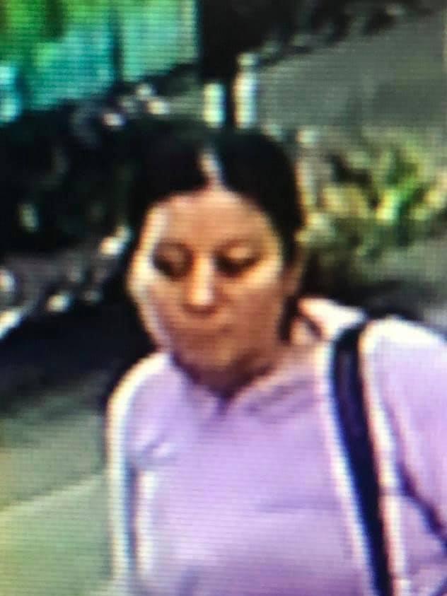 Una de las mujeres que se observa en el video. (Foto Prensa Libre: Cortesía)