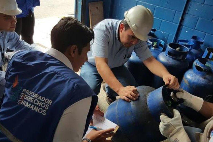 Desde noviembre del 2015 se registran alzas injustificadas en el gas, refieren entes como el MEM, Diaco y la PDH. (Foto, Prensa Libre: Hemeroteca PL)