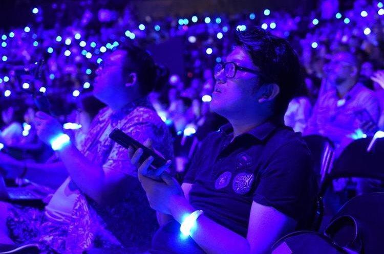 La presentación del Samsung Galaxy Note 9 fue en vivo y la audiencia pudo ver de primera mano las novedades del dispositivo. (Foto Prensa Libre: AFP).