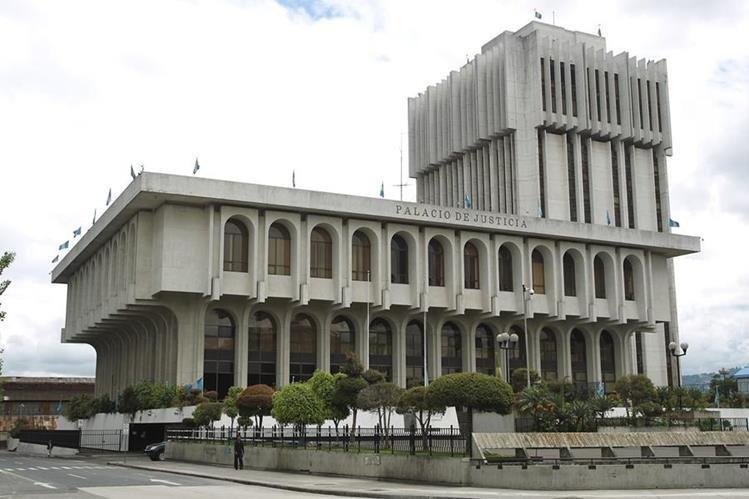 Los magistrados de la Corte Suprema de Justicia sesionarán de forma extraordinaria para elegir a su próximo presidente. (Foto Prensa Libre: Hemeroteca)