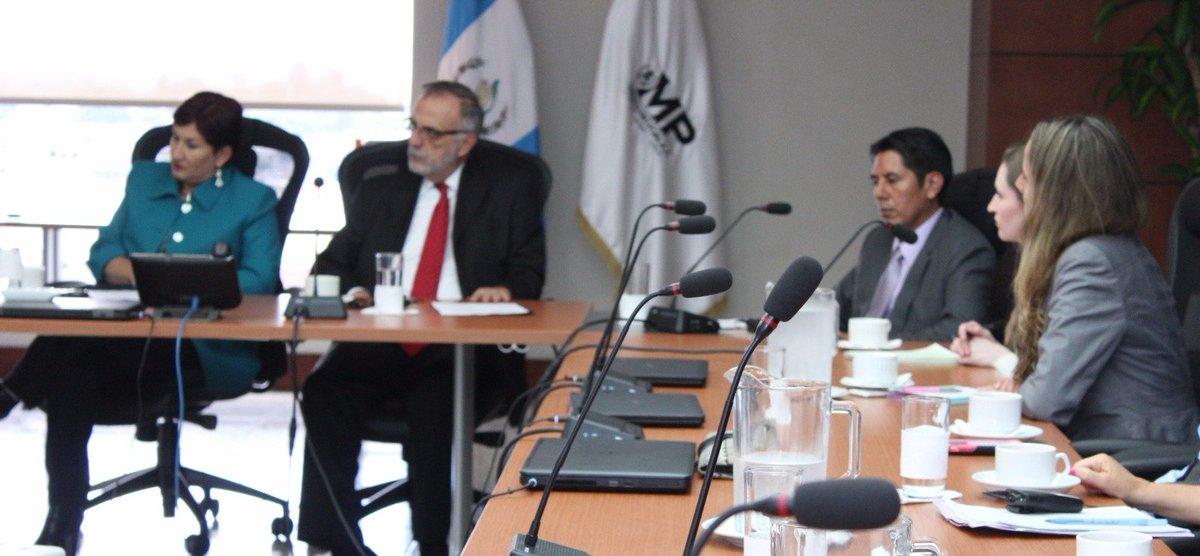 En la reunión participó el Comisionado de la CICIG (Foto Prensa Libre: Ministerio Público)