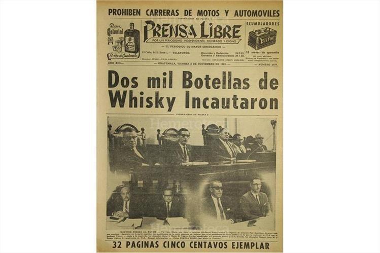 Portada del 8/11/1963, con la noticia del contrabando de licor. (Foto: Hemeroteca PL)