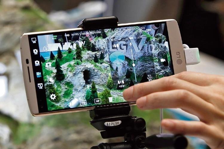La pantalla del teléfono es de 5.7 pulgadas. (Foto Prensa Libre: Hemeroteca PL)