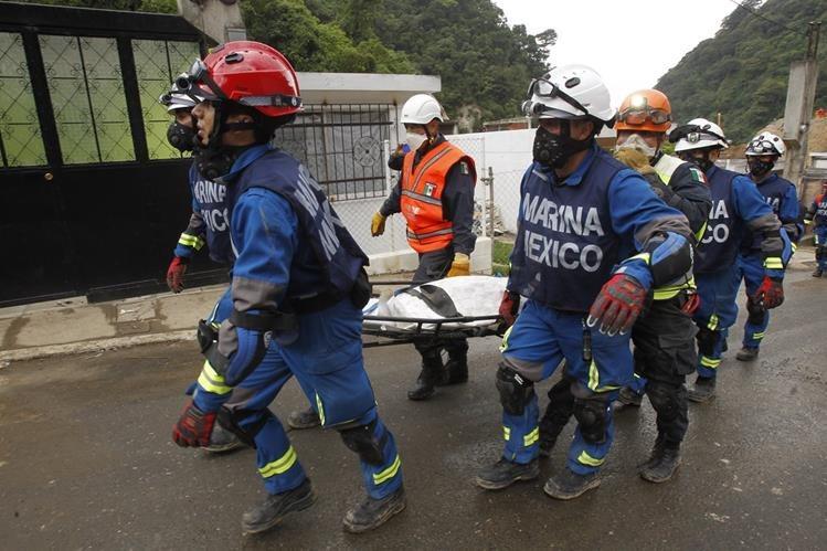 La delegación mexicana participó de las tareas de búsqueda y rescate de más de 200 víctimas del alud en El Cambray. (Foto Prensa Libre: Hemeroteca PL)