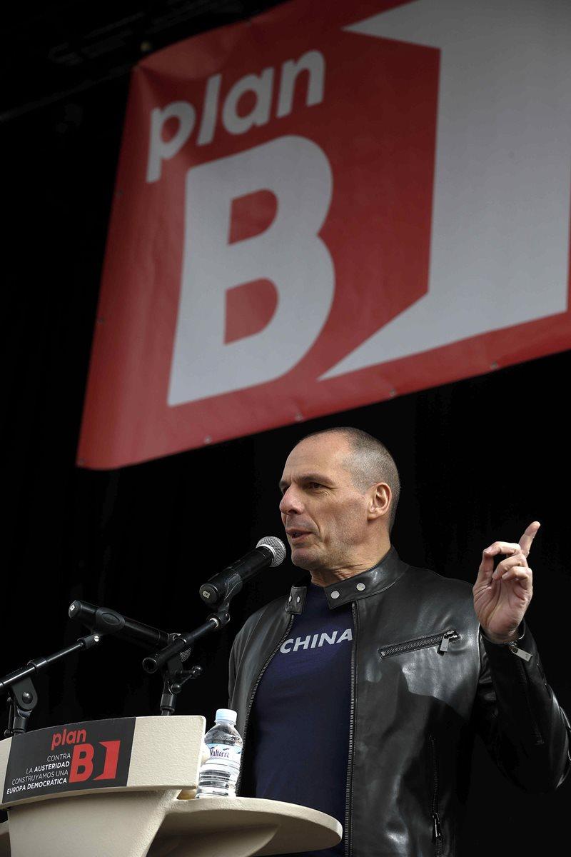 El exministro de Finanzas de Grecia Yanis Varoufakis, durante la intervención en la conferencia europea contra la austeridad, en Madrid, este fin de semana. (Foto PL: EFE)