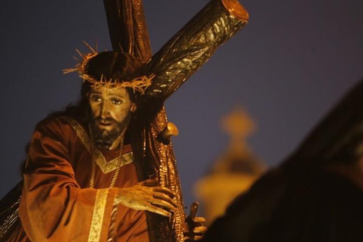 El víacrusis penitencial de Jesús de la Justicia, de El Calvario, abre la temporada cuaresmal en Guatemala. (Foto Prensa Libre: Oscar Rivas)