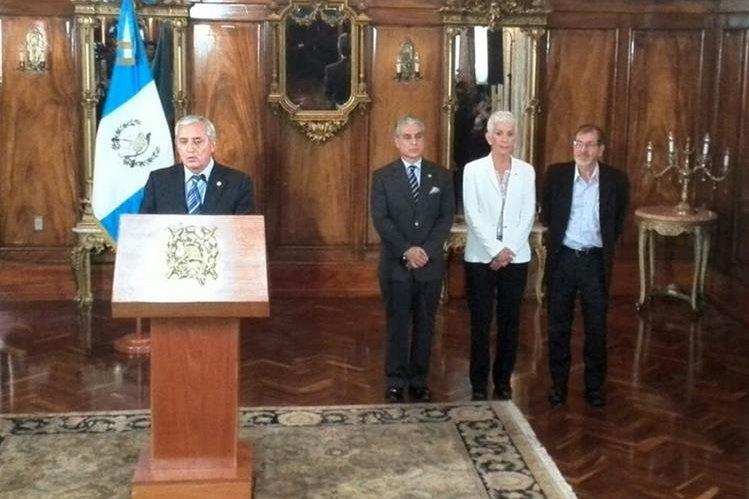Otto Pérez nombró a tres candidatos para que el Congreso elija al sucesor de Roxana Baldetti.
