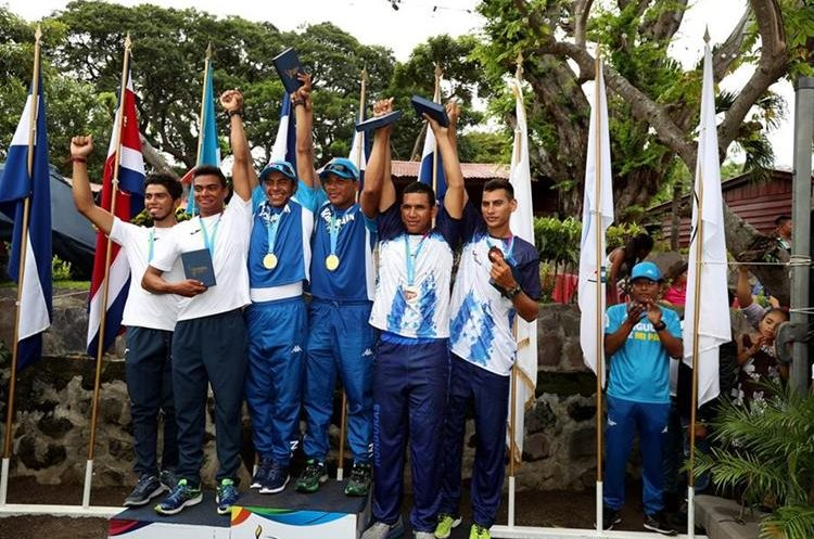 Guatemala ganó medalla de plata en dobles. (Foto Prensa Libre: Carlos Vicente)