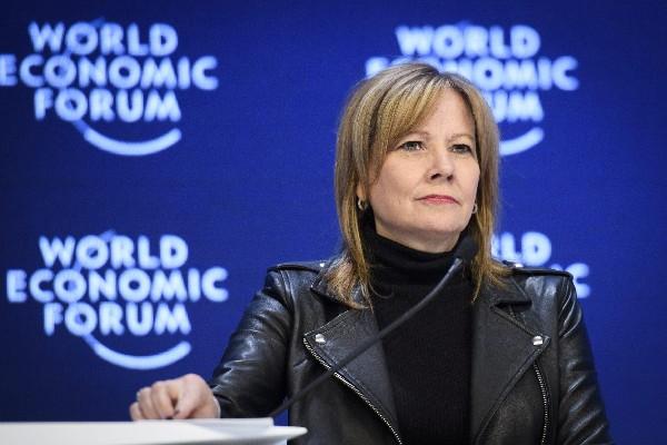 Mary Barra, directora de General Motors participa en el Foro Económico Mundial de Davos. (EFE).