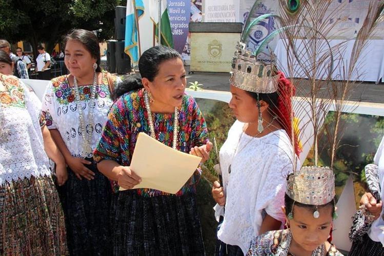 Delia Marisela Maquín Cucul, actual Rabín Ajaw, denunció incumplimiento de los organizadores. (Foto Prensa Libre: Eduardo Sam)