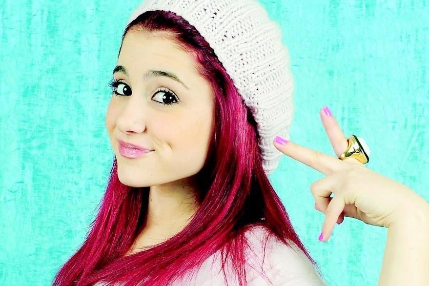 Durante su aparición en series de televisión, la joven estrella tuvo que teñir su cabello de rojo. (Foto Prensa Libre: Hemeroteca PL)