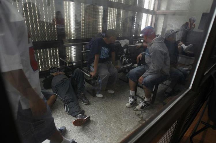 El Ministerio Público presentó evidencia al tribunal que comprobó que los detenidos participaron en los asesinatos. (Foto Prensa Libre: Jerson Ramos)