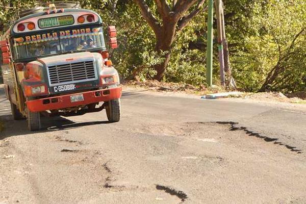 <p>Municipalidad de Chiquimulilla lleva tres años de solicitar al Ministerio de Comunicaciones la reparación del tramo RN-16. (Foto Prensa Libre: Oswaldo Cardona) <br></p>