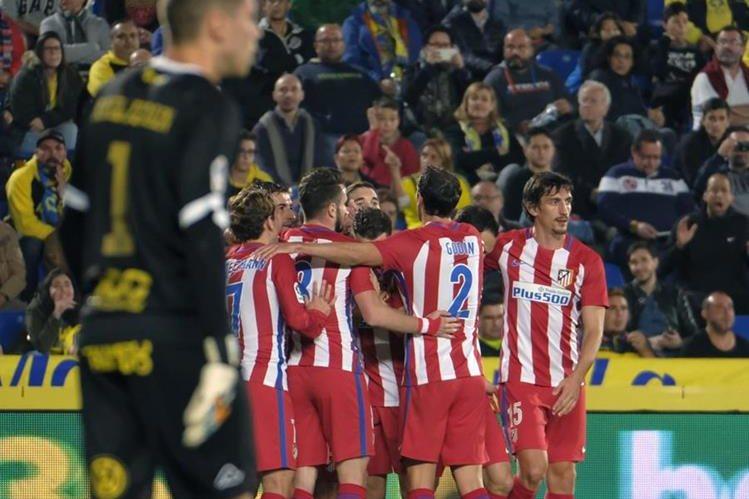 El Atlético de Madrid venció a Las Palmas (0-2) y allanó su pase a los cuartos de final de la Copa del Rey del futbol español (Foto Prensa Libre: EFE)