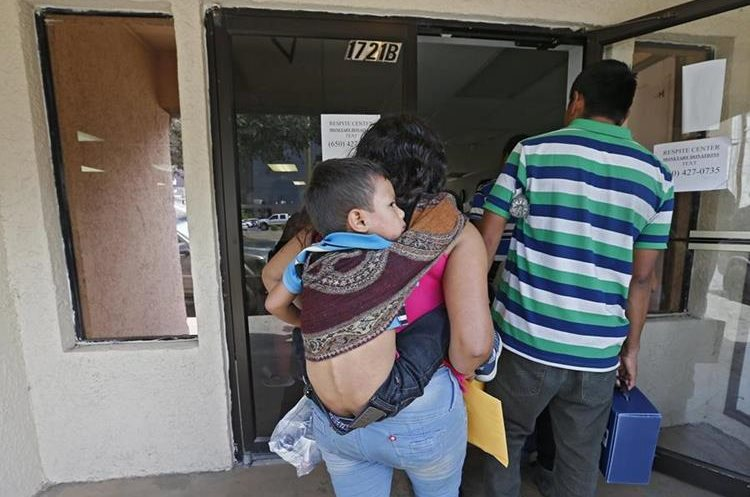 Más de 29 mil familias guatemaltecas han sido detenidas en la frontera sur de EE. UU. (Foto Prensa Libre. EFE)