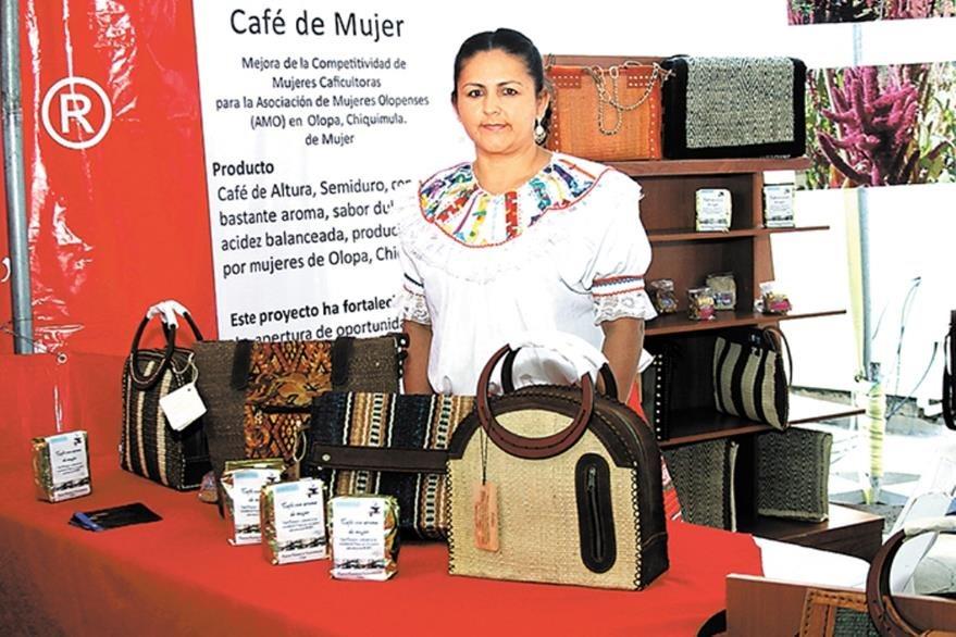 La Asociación de Mujeres Olopenses ha realizado presentaciones en diferentes países. (Foto Prensa Libre: laprensa.com.ni)