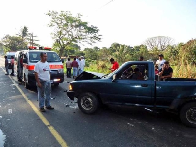 Bomberos Voluntarios reportaron que 15 personas murieron en accidentes de tránsito y 39 en percanses de motocicleta. (Foto Prensa Libre: CVB)