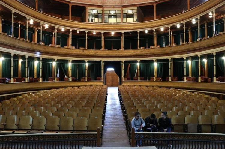 El lugar  asombra a muchos artistas debido a su acústica. Esto se debe en gran parte a la concha que rodea el escenario, y a una pileta de agua que se encuentra debajo del escenario. La iluminación y su elegancia también engalanan el lugar (Foto Prensa Libre: María José Longo).