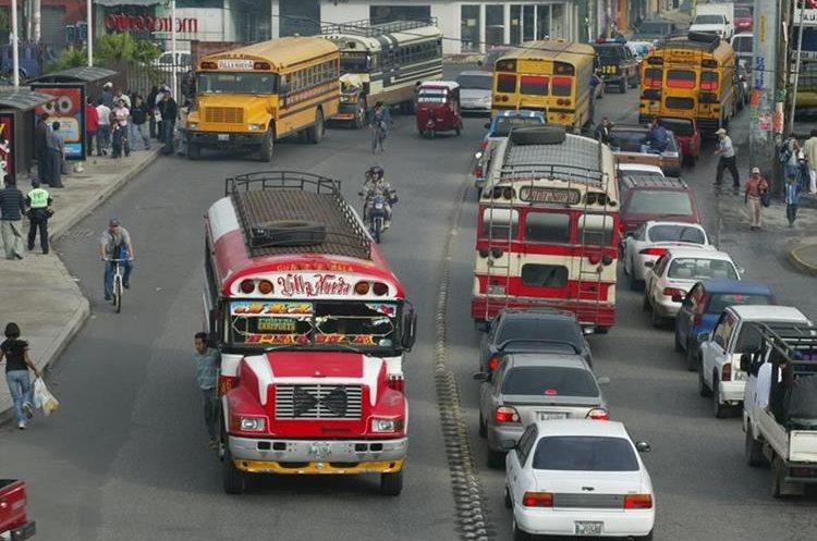 La finalidad del teleférico es agilizar el tránsito hacia la capital.(Prensa Libre: Hemeroteca PL)